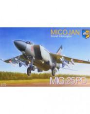 MiG-25PD Soviet interceptor
