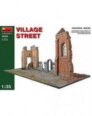 VILLAGE STREET w/Diorama Base