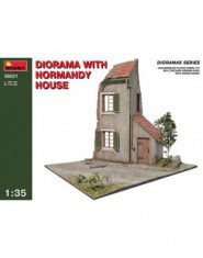 DIORAMA w/NORMANDY HOUSE