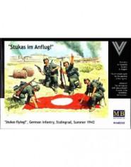 Stukas Im Anflug! German Infantry 1942