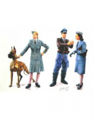 Women at War (Germany, Luftwaffe Helferinnen)